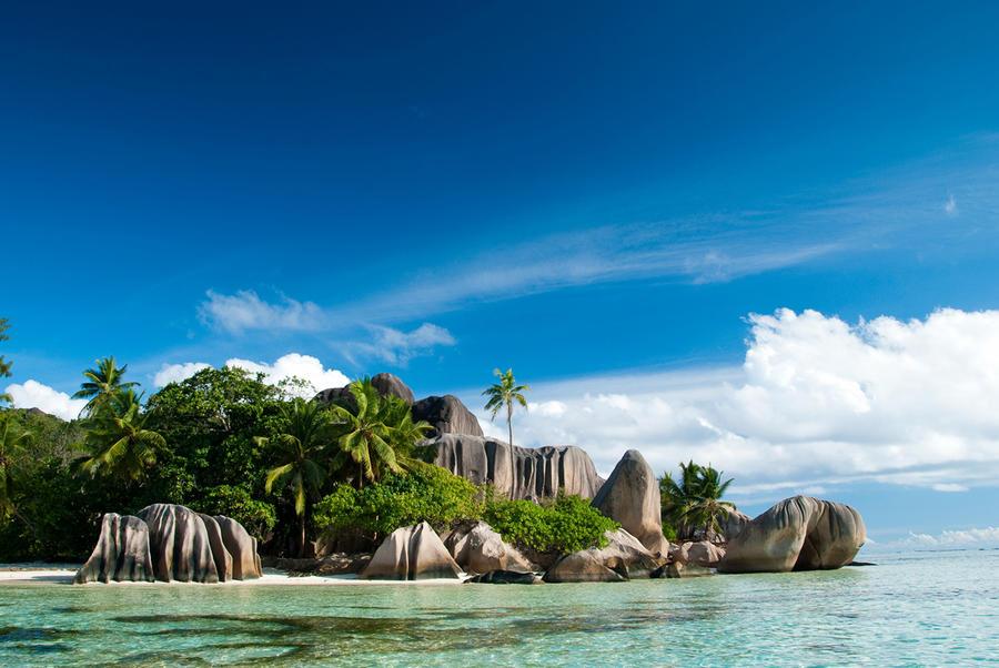 Сейшельские Острова. Ла-Диг. Пляж Ансе Сурс д'Аржан.